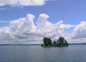 Island with a house on Ontario lake, Canada — Stock Photo