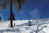 Skiors dans les montagnes des alpes, suisse — Photo