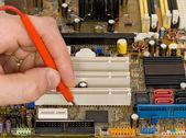 Medición y diagnostico de tablero de circuito impreso — Foto de Stock