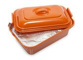 L'ouverture de boîte en plastique alimentaire avec un — Photo