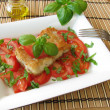 Fish with tomatoes and basil — Foto de Stock