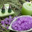 Vana sůl a aroma svíčka pro aromaterapii — Stock fotografie