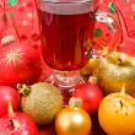 冬熱いお茶、香りのキャンドル、クリスマス ボール — ストック写真