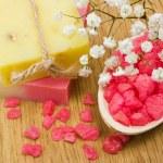 Aromatic bath salt and natural handmade soap — Stock Photo #4566261