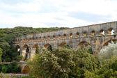 Pont du Gard aqueduct, Vers-Pont-du-Gard in South of France. — Stock Photo