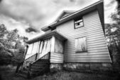 Broken down abandoned house — Stock Photo
