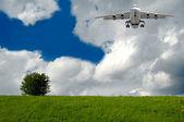 реактивный самолет и натур — Стоковое фото