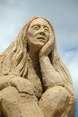 Triste donna sabbia — Foto Stock