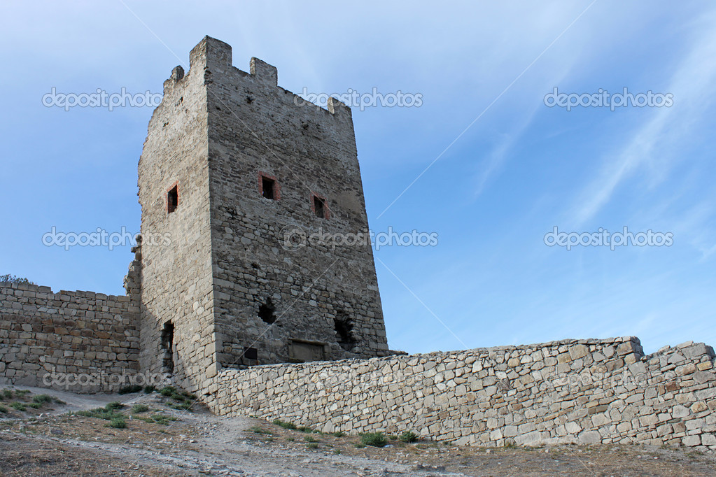 Ruins of fortress, Feodossia — Stock Photo #3972864