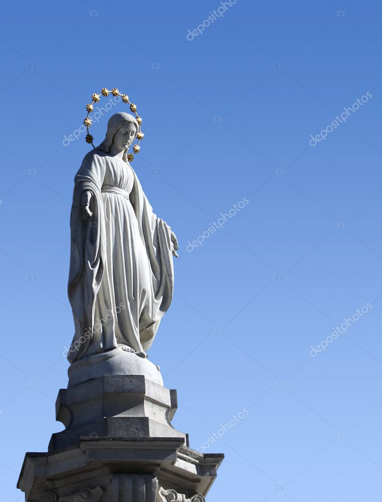 Statue of Blessed Virgin Mary in Lviv — Stock Photo #5281370