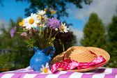 Flower bouquet in the summer garden — Stock Photo