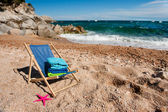 Empty chair at the beach — Stock Photo