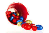 Red bucket easter eggs — Stok fotoğraf