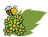 Happy honey bee flyger över gröna prästkragar — Stockfoto