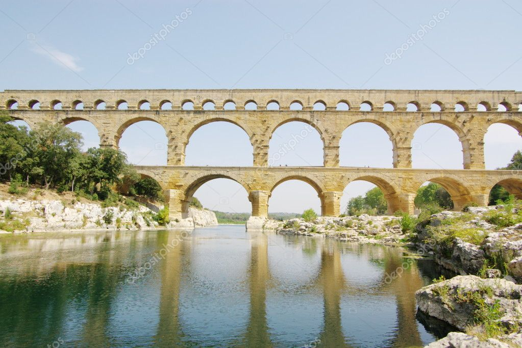 Pont du garde roman bridge panoramic view. Province. France. — Stock Photo #4774954