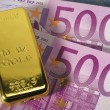 Gold and euro — Stock Photo