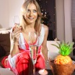 White woman with glass of champagne — Stockfoto