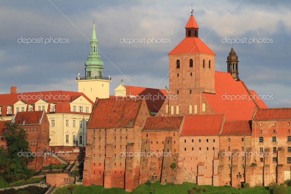 Grudziadz old town with granary and city hall in Poland — Stock Photo #3989138