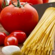 Pasta, tomatoes and garlic — Stock Photo #4222448