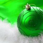 Зеленый Рождество безделушка — Стоковое фото
