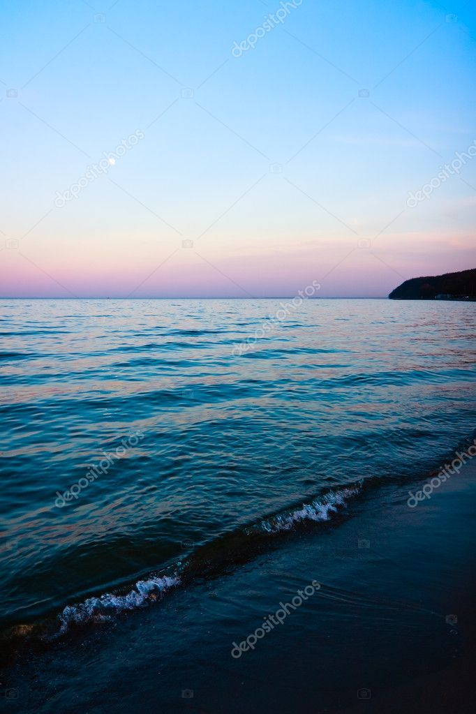 Blue border between nightly sea and sky. — Stock Photo #5012252