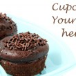 Chocolate cupcake on white background — Stock Photo #5059352