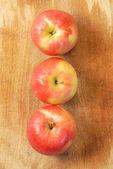 органические яблоки — Стоковое фото