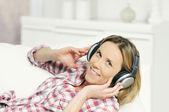 Musikaliska kvinna — Stockfoto