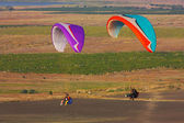 Paraglider flight in Crimea — Stock Photo