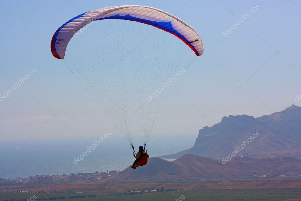 Paraglider flight in Crimea, Ukraine  — Stock Photo #5077901