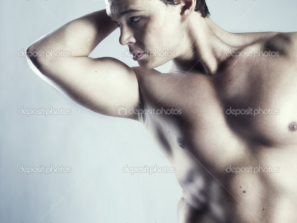 Photo of naked athlete with strong body — Stock Photo #5001785