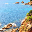 View of sea and rocks in sunny weather — Stock Photo
