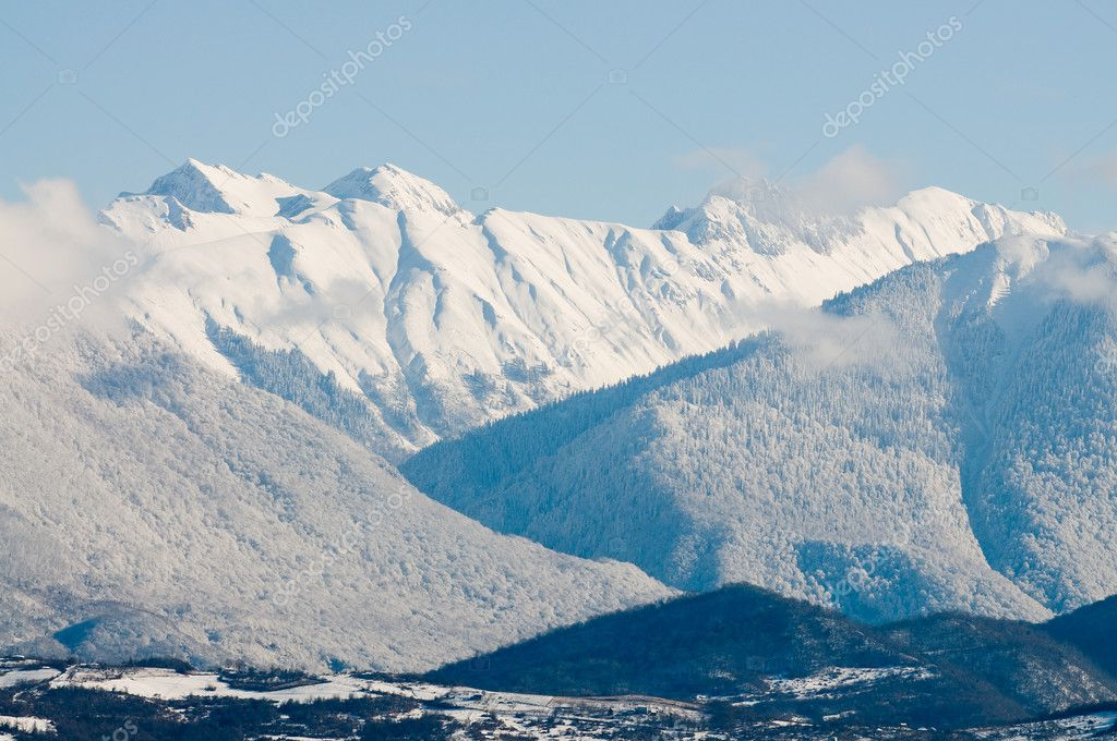 A mountain landscape filled with snow.Caucasus.Abkhazia. — Stock Photo #4073143