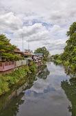 Bydlení u řeky — Stock fotografie