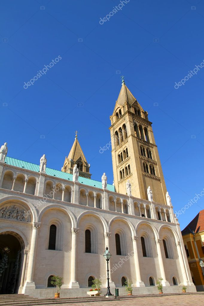Digital Photo of the historic Cathedral in Pecs, Hungary. — Stock Photo #4294668
