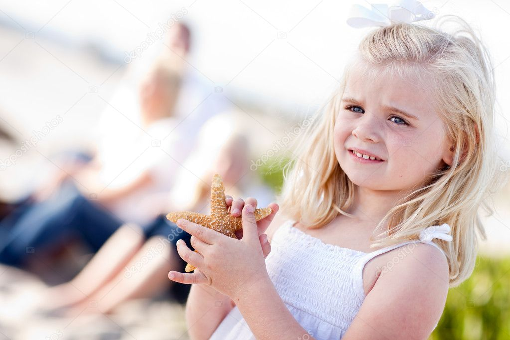 Adorable Little Blonde Girl with Starfish — Stock Photo ...