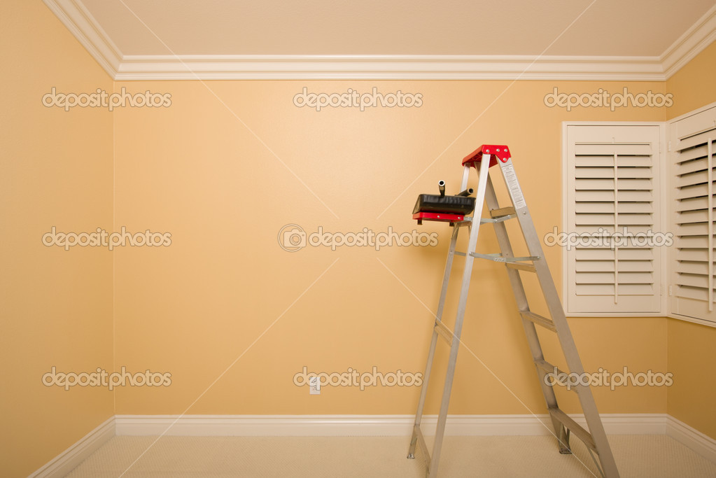 Empty Room with Plantation Shutters, Ladder, Paint Tray and Rollers. — Stock Photo #4783079