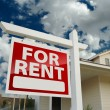 For Rent Real Estate Sign in Front of House — Stock Photo