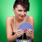 kobieta gra w pokera — Zdjęcie stockowe