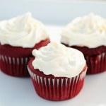 Red Velvet Cupcakes — Stock Photo #4059158