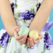 Holding Easter Eggs — Stock fotografie