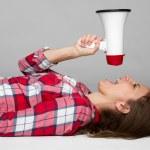 megaphone kvinna — Stockfoto