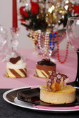 Romantic table setting with desserts — Stock Photo
