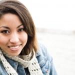 güzel bir Afrikalı-Amerikalı kadın — Stok fotoğraf