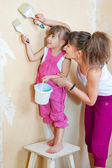 Mother and daughter are doing repairs together — Stock Photo