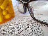 Closeup Of Medial Bill And Pills — Stock Photo