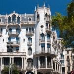 ünlü bina tasarlanmış tarafından antoni gaudi — Stok fotoğraf #4902652
