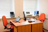 现代办公室内部-工作场所 — 图库照片