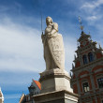 sculptuur van roland Ridder in riga, Letland — Stockfoto