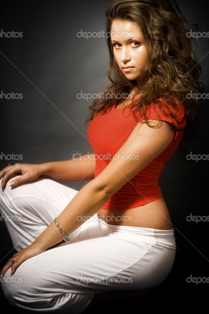 Studio shot of sexy young woman posing — Stock Photo #4941978